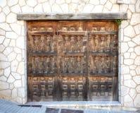 Drewniane bramy z kamieniem, rocznika styl Obrazy Royalty Free