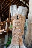 Drewniane cyzelowanie twarze ludzkie zdjęcie royalty free