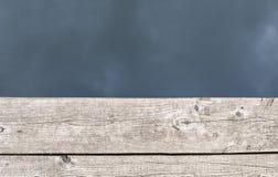 Drewniane deski i woda jako szablon dla projekta zdjęcie stock