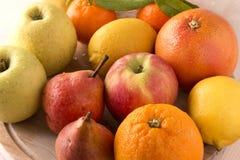 drewniane deskowe świeże owoc Obraz Royalty Free