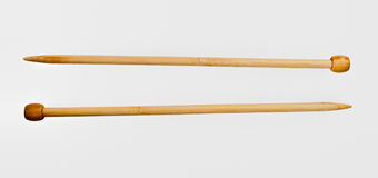 Drewniane dziewiarskie igły Obrazy Royalty Free