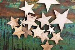 Drewniane gwiazdy na stole obraz royalty free