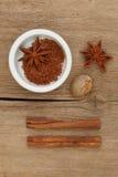 drewniane ramekin pikantność fotografia stock