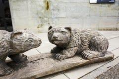 Drewniane rzeźby niedźwiedzie w Bern Obrazy Stock