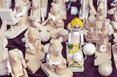 Drewniane zabawki zrobią w starej Rosyjskiej technice woodcarving obrazy royalty free