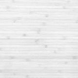 Drewnianej bambusowej deski tekstury biały tło Fotografia Stock