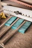Drewniani ciesielek narzędzia przy warsztatem Muśnięcia i władca Obrazy Royalty Free