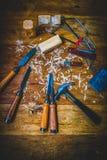 Drewniani cyzelowanie bloki, narzędzia i obraz royalty free