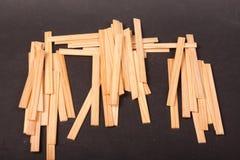 Drewniani kije na czarnym tle zdjęcie stock