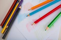 Drewniani kolorów ołówki na białym tle Zdjęcia Royalty Free