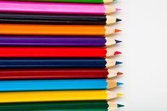 Drewniani kolorów ołówki na białym tle,  Obraz Stock