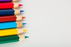 Drewniani kolorów ołówki na białym tle,  Zdjęcie Royalty Free