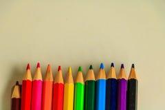 Drewniani kolorowi ołówki Zdjęcia Stock