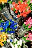 drewniani kolorowi tulipany Zdjęcia Royalty Free