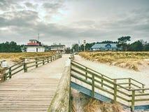 Drewniani listwa mosta juts out w rozległość morze Sławna atrakcja turystyczna fotografia stock