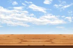 Drewniani podłoga lampasy i niebieskiego nieba tło Obraz Stock