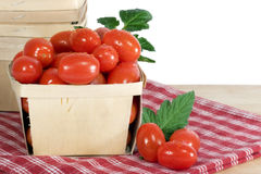 drewniani pudełkowaci pomidory Zdjęcia Stock