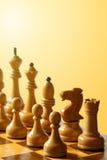Drewniani szachowi kawałki tonujący Zdjęcie Royalty Free