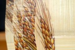 Drewniani szklani właściciele z rzędu obrazy royalty free