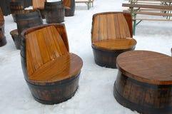 Drewniani unikalni siedzenia i stół Zdjęcie Stock
