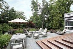 drewniani łupkowi patio schodki Zdjęcia Royalty Free