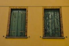 drewniani zamknięci okno Obrazy Stock