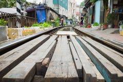 Drewniany ścieżki kolei poręcza w Wietnam skrzyżowanie Pojęcie niebezpieczna kolej Fotografia Royalty Free