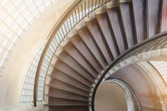 drewniany ślimakowaty schody Kółkowy schody Zdjęcie Stock
