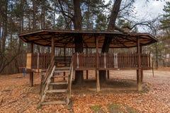 Drewniany bajki domek na drzewie Zdjęcie Stock