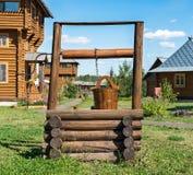 Drewniany beli well zdjęcia stock