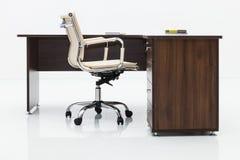 Drewniany biurko i krzesło fotografia stock