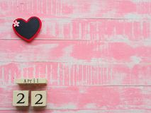 Drewniany Blokowy kalendarz dla Światowego Ziemskiego dnia Kwiecień 22, Drewniany blok Obrazy Royalty Free