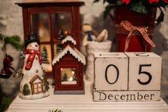 Drewniany boże narodzenie kalendarz w wnętrzu Fotografia Royalty Free