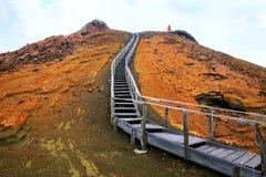 Drewniany boardwalk na Bartolome wyspie, Galapagos park narodowy, E zdjęcia stock
