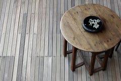 Drewniany brązu stół Zdjęcie Royalty Free