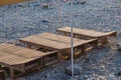 Drewniany bryczka hol na plaży na słonecznym dniu fotografia royalty free