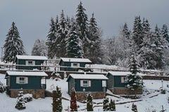 Drewniany bungalow w campingu obraz stock