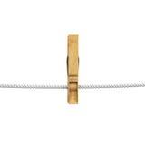 Drewniany clothespin obwieszenie na arkanie Fotografia Stock
