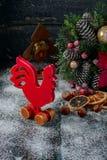 Drewniany czerwony kogut Fotografia Royalty Free