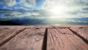 Drewniany deska pokład z widokiem nieba zbiory