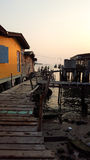 Drewniany dom i most w rybołówstwo wiosce w Tajlandia fotografia royalty free