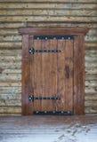 Drewniany drzwi tradycyjny belkowaty dom na wsi ilustracji