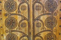 Drewniany drzwi z abstraktami zdjęcia royalty free