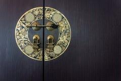 Drewniany drzwi z chińskiego stylu tematem Fotografia Royalty Free