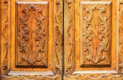 Drewniany drzwi z intarsją Obrazy Royalty Free