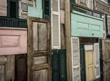 Drewniany drzwiowy tło obrazy royalty free