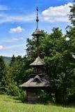 Drewniany dzwonkowy wierza na odgórnym wzgórzu Fotografia Royalty Free