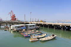 Drewniany fishboat w rybołówstwa schronieniu Obraz Royalty Free
