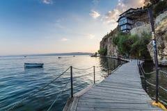 Drewniany gangplank nad Jeziornym Ohrid Zdjęcie Stock