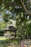 Drewniany gazebo obok stawu Zdjęcie Stock